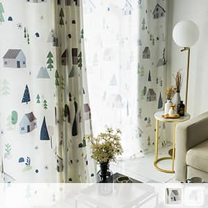 キュートなお部屋柄の北欧風カーテン
