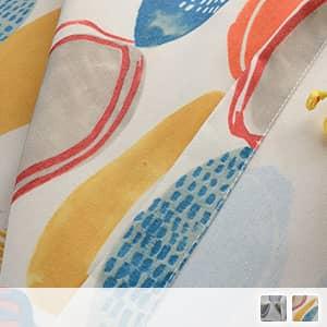 カラフルな丸柄のドレープカーテン