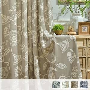 神秘感がある植物模様のドレープカーテン