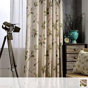 エレガントな大きい花柄デザインのドレープカーテン