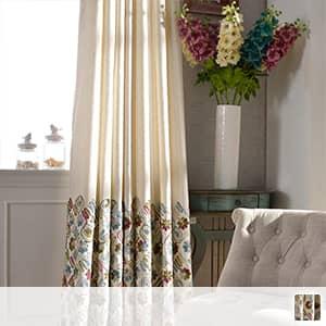 ダ彩り毛糸で刺繍されカーテン