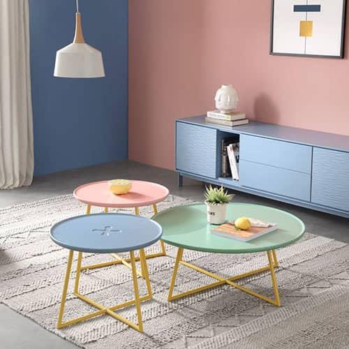 マカロン色のサイドテーブル